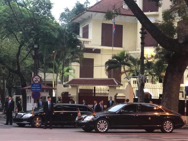 Ngắm cặp đôi xe Mercedes-Benz và Maybach chở anh em Chủ tịch Kim Jong-un - 9