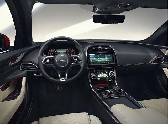 Hơn 1 tỉ ở Anh, Jaguar XE mới về Việt Nam sẽ có giá bao nhiêu? - 7