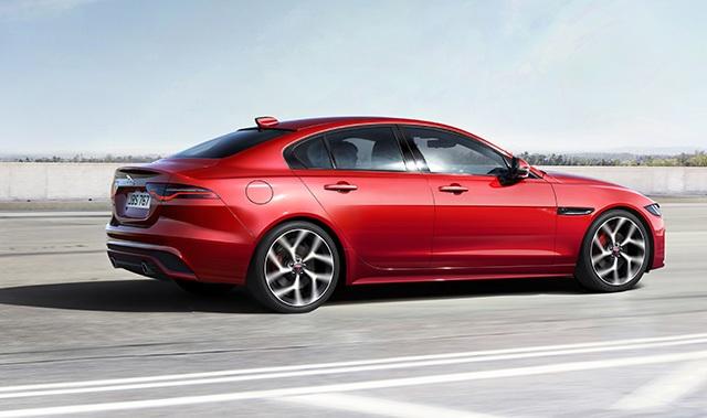 Hơn 1 tỉ ở Anh, Jaguar XE mới về Việt Nam sẽ có giá bao nhiêu? - 6