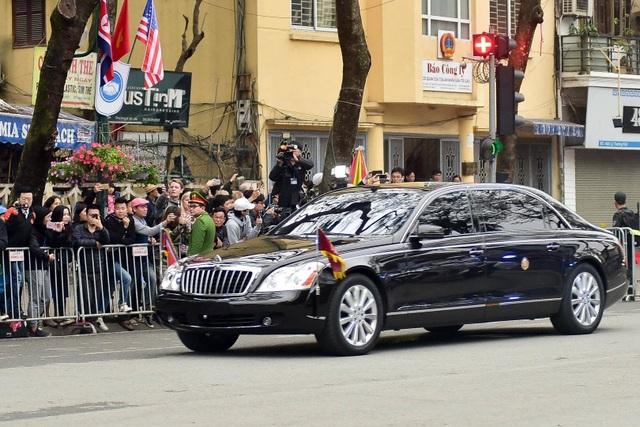Ngắm cặp đôi xe Mercedes-Benz và Maybach chở anh em Chủ tịch Kim Jong-un - 11