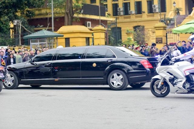 Ngắm cặp đôi xe Mercedes-Benz và Maybach chở anh em Chủ tịch Kim Jong-un - 6