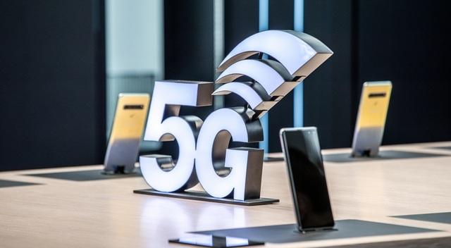 Samsung trình diễn smartphone 5G đầu tiên tại MWC 2019 - 4