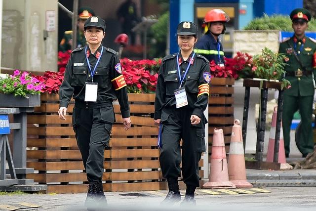 Tổng thống Donald Trump và Chủ tịch Kim Jong-un gặp riêng tối nay: An ninh thắt chặt tại nhiều tuyến phố - 12