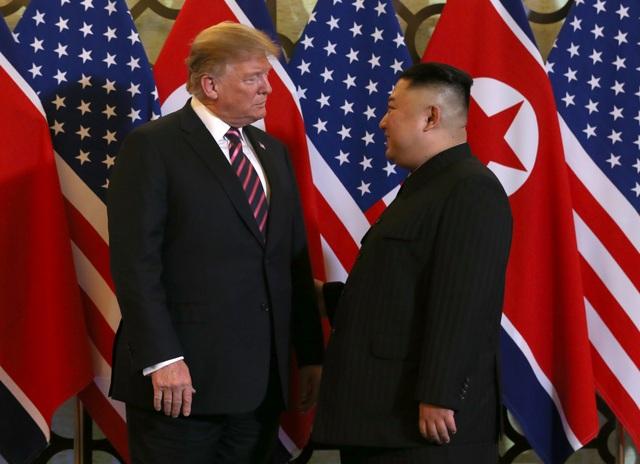 Hình ảnh thân mật của lãnh đạo Mỹ - Triều trong cuộc gặp tại Hà Nội - 3