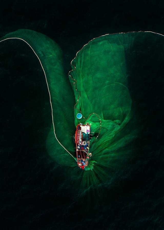 Tác phẩm của người Việt lọt top ảnh ấn tượng trong cuộc thi nổi tiếng nhất thế giới - 14