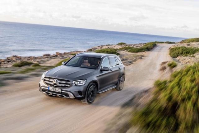 Mercedes-Ben GLC được trang bị động cơ mới - 12