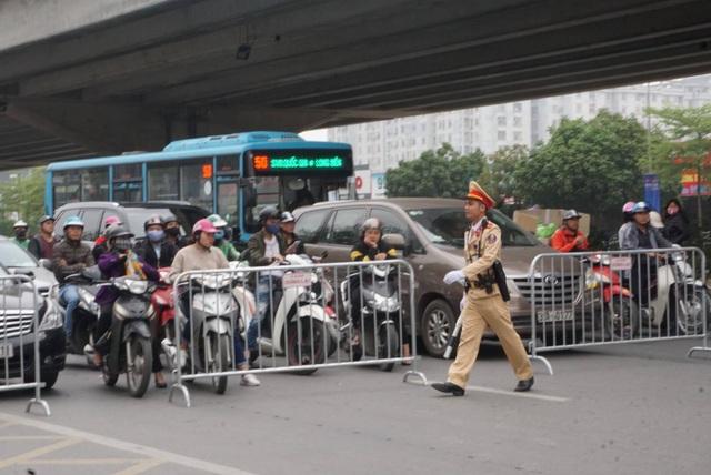 Tổng thống Donald Trump rời Hà Nội sớm hơn dự kiến gần 3 tiếng - 5
