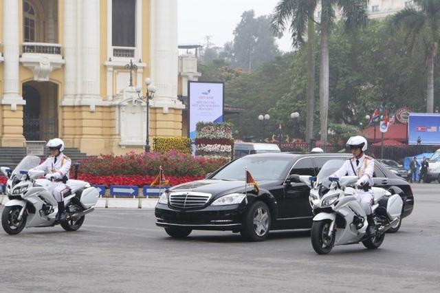 Tổng thống Mỹ và Chủ tịch Triều Tiên đến Metropole họp Hội nghị thượng đỉnh - 3