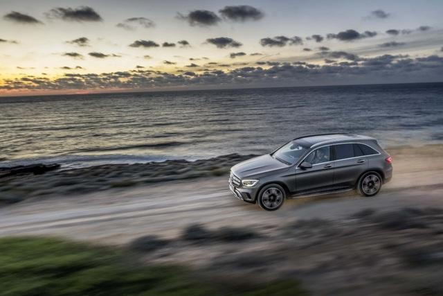 Mercedes-Ben GLC được trang bị động cơ mới - 4