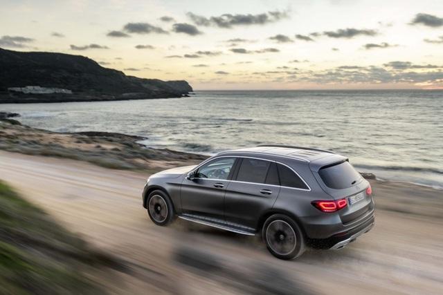 Mercedes-Ben GLC được trang bị động cơ mới - 13