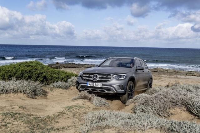 Mercedes-Ben GLC được trang bị động cơ mới - 6
