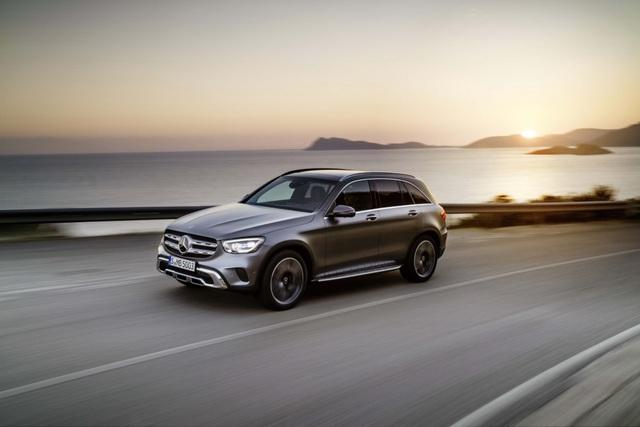 Mercedes-Ben GLC được trang bị động cơ mới - 1