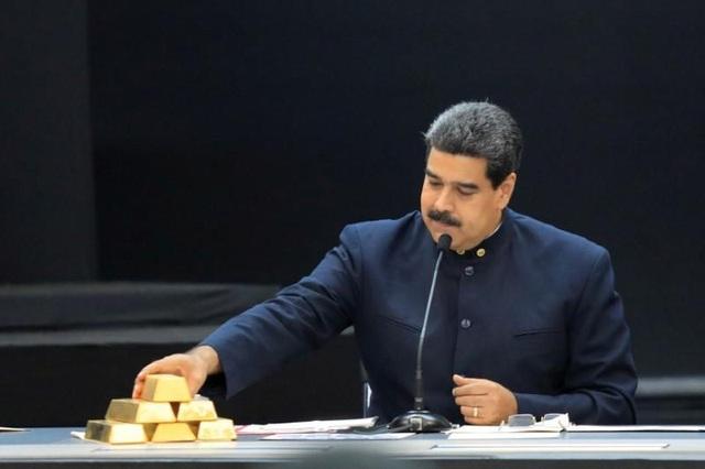 Chính phủ ông Maduro vừa bán bất hợp pháp 8 tấn vàng. (Nguồn: REUTERS/Marco Bello/File Photo)