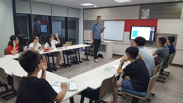 Chương trình phổ thông mới môn tiếng Anh: Học sinh phải tự học nhiều hơn - 1