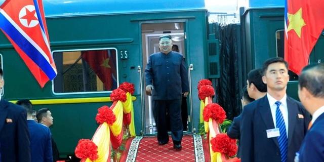 Người Hàn Quốc bất ngờ và muốn trải nghiệm đi tàu hỏa đến Việt Nam - 1