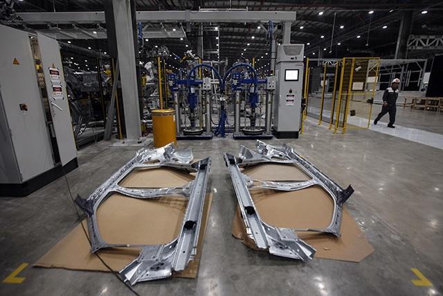 """""""Đột nhập"""" nhà máy VinFast trước ngày chạy thử - 18"""