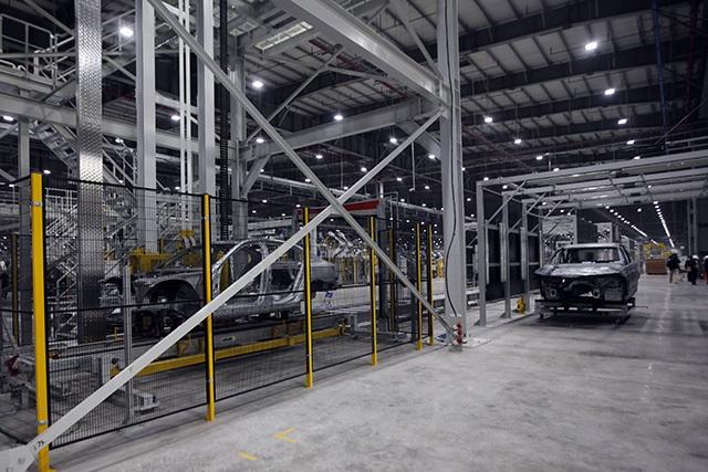 """""""Đột nhập"""" nhà máy VinFast trước ngày chạy thử - 27"""