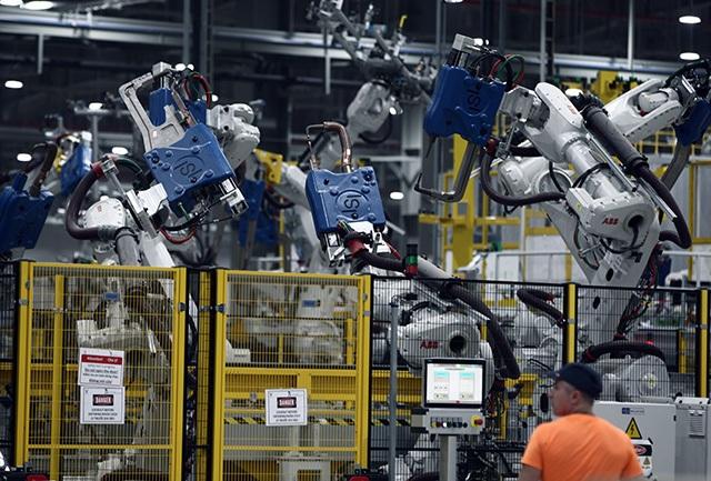 """""""Đột nhập"""" nhà máy VinFast trước ngày chạy thử - 6"""