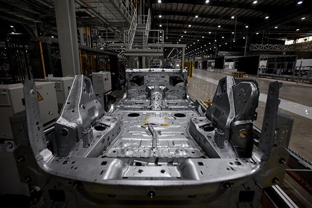 """""""Đột nhập"""" nhà máy VinFast trước ngày chạy thử - 24"""