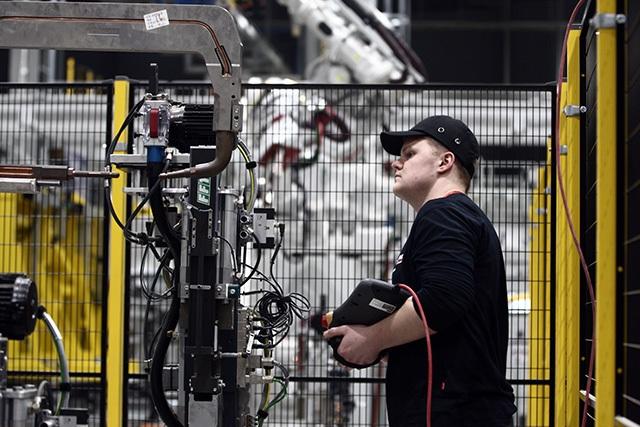 """""""Đột nhập"""" nhà máy VinFast trước ngày chạy thử - 10"""
