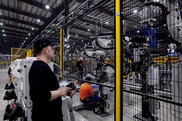 """""""Đột nhập"""" nhà máy VinFast trước ngày chạy thử - 7"""