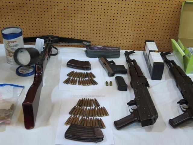 Bịt kẽ hở về quy định vũ khí có tính năng tương tự vũ khí quân dụng - 1