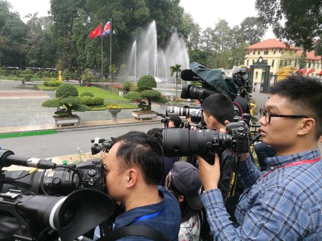 Lễ đón chính thức Chủ tịch Triều Tiên Kim Jong-un tại Phủ Chủ tịch - 10