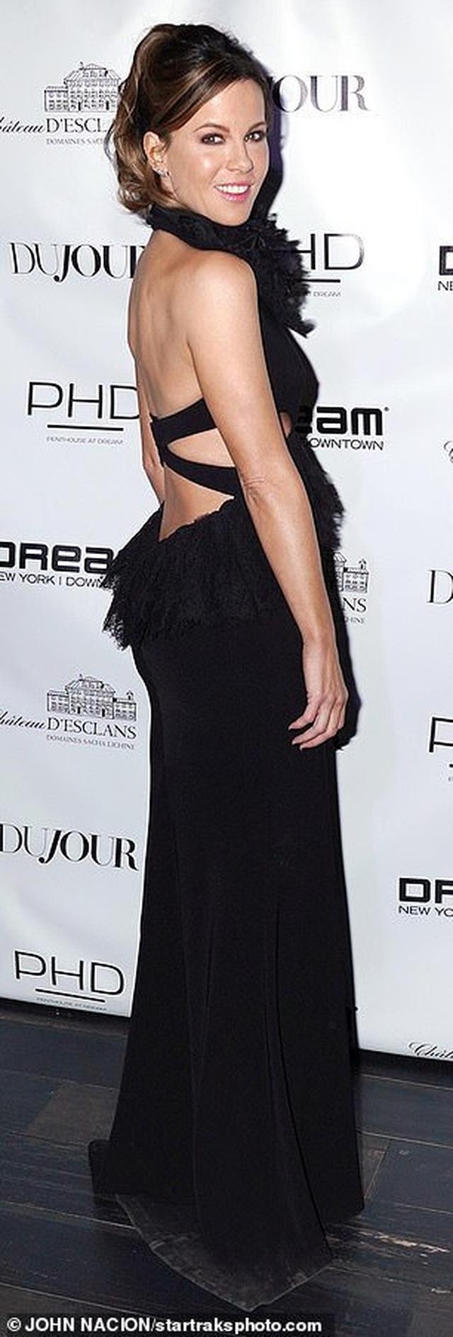 Kate Beckinsale trẻ trung đáng kinh ngạc ở tuổi 46 - 13