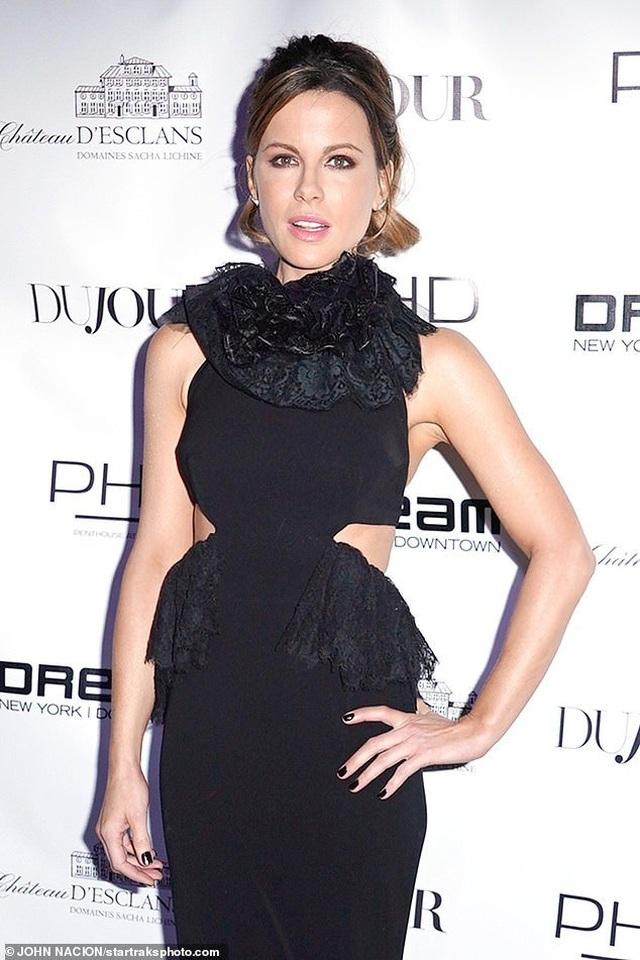 Kate Beckinsale trẻ trung đáng kinh ngạc ở tuổi 46 - 1