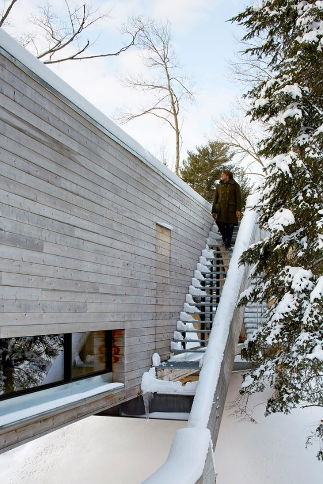 Độc đáo ngôi nhà có kiến trúc như một... cây cầu  - 4