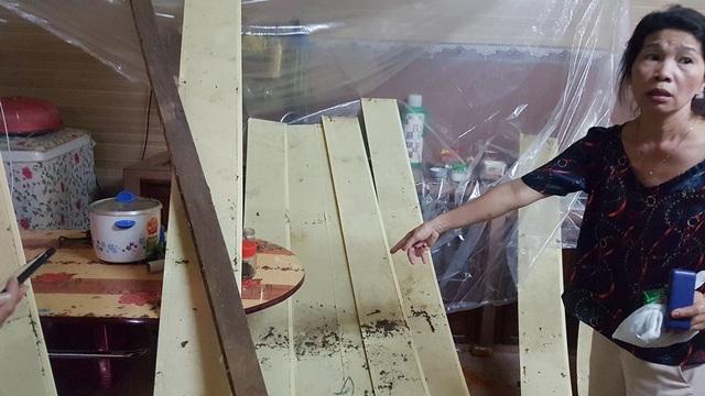 Dự án xây dựng cao cấp làm nhà dân đổ sập trần, đè cụ bà 86 tuổi bất tỉnh! - 1