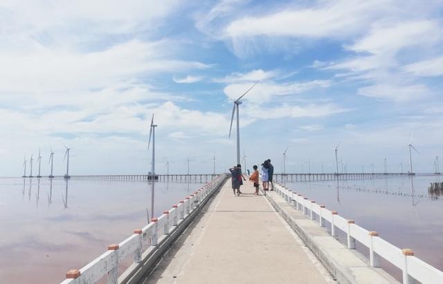 """""""Cánh đồng điện gió"""" Bạc Liêu trở thành điểm du lịch tiêu biểu ĐBSCL - 2"""