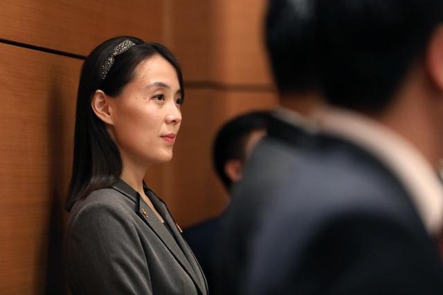 Những phụ nữ quyền lực tháp tùng Chủ tịch Triều Tiên tới Việt Nam là ai? - 4