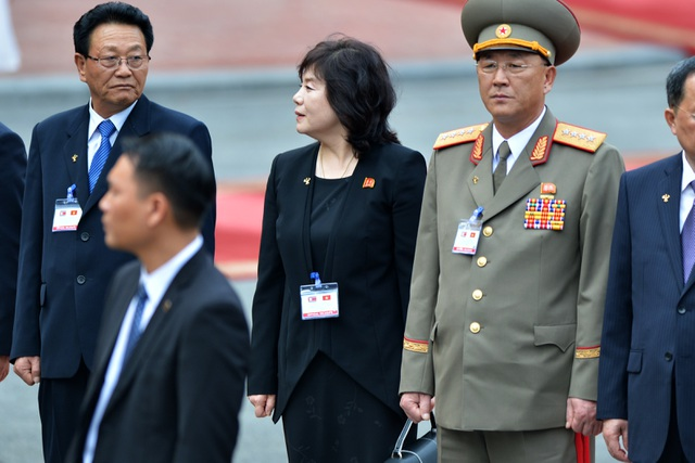 Những phụ nữ quyền lực tháp tùng Chủ tịch Triều Tiên tới Việt Nam là ai? - 15