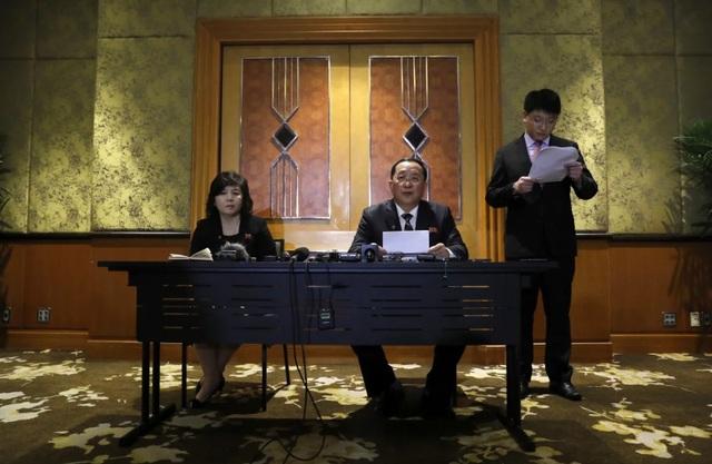 Triều Tiên họp báo lúc 0 giờ, bác tuyên bố của Mỹ về lý do không đạt thỏa thuận - 2