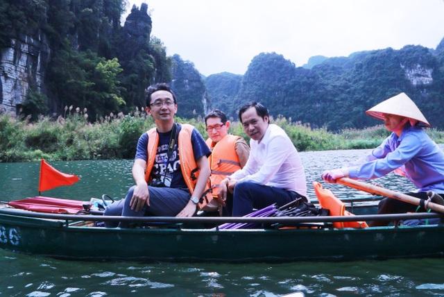 Đoàn phóng viên quốc tế trầm trồ trước vẻ đẹp của di sản kép Tràng An - 5