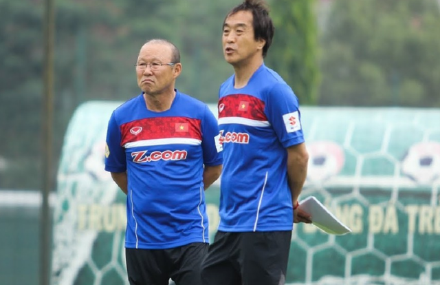 VFF tăng lương cho HLV Lee Young Jin