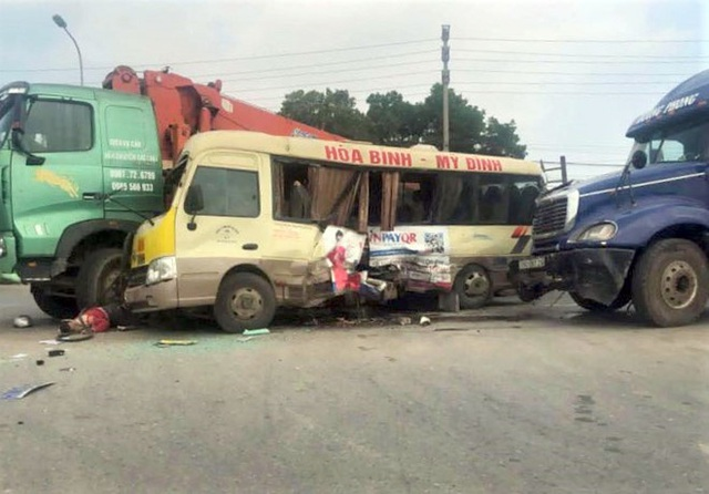 Bắt tạm giam lái xe cẩu rẽ ẩu khiến 2 người chết trên Đại lộ Thăng Long - 1