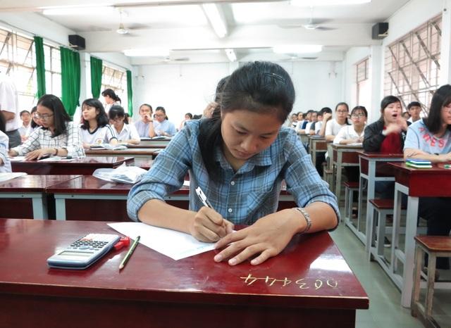 Thí sinh đăng ký thi đánh giá năng lực của ĐH Quốc gia TPHCM tăng gấp 7 lần năm ngoái - 1