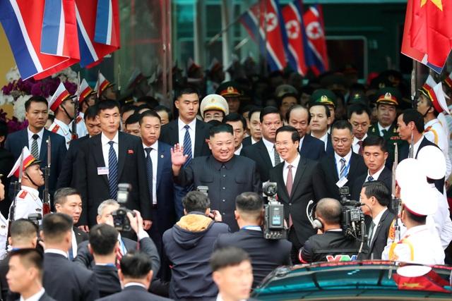 Những khoảnh khắc đẹp của Chủ tịch Kim Jong-un tại Việt Nam trên báo chí quốc tế - 2