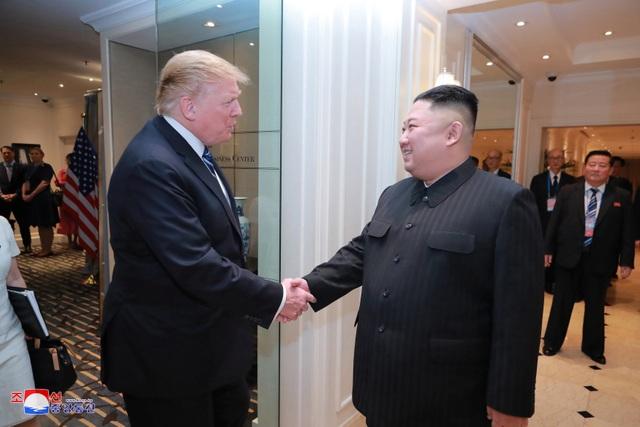 Những khoảnh khắc đẹp của Chủ tịch Kim Jong-un tại Việt Nam trên báo chí quốc tế - 12