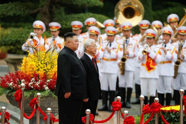 Những khoảnh khắc đẹp của Chủ tịch Kim Jong-un tại Việt Nam trên báo chí quốc tế - 14