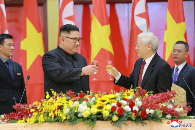Truyền thông Triều Tiên đăng bộ ảnh ấn tượng về chuyến thăm Việt Nam của ông Kim Jong-un - 6