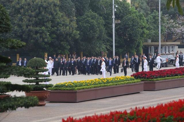 Chủ tịch Triều Tiên Kim Jong-un vào Lăng viếng Chủ tịch Hồ Chí Minh - 7