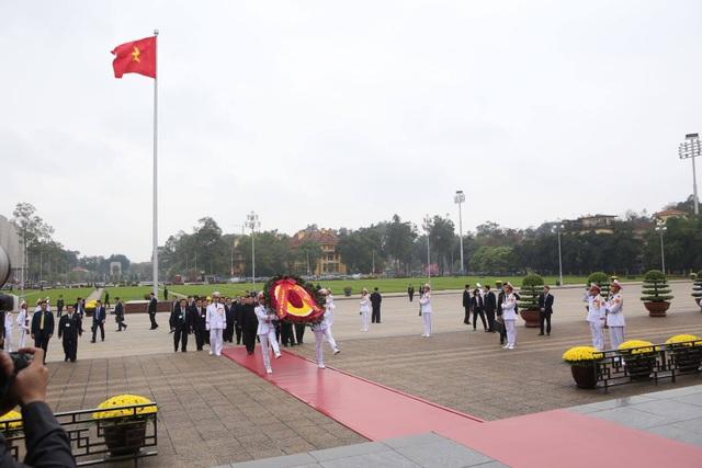 Chủ tịch Triều Tiên Kim Jong-un vào Lăng viếng Chủ tịch Hồ Chí Minh - 3