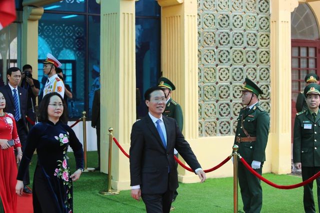 Chủ tịch Kim Jong-un vẫy tay chào Việt Nam, lên tàu về nước - 3