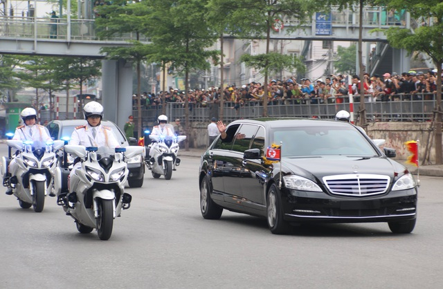 Chủ tịch Kim Jong-un vẫy tay chào Việt Nam, lên tàu về nước - 22