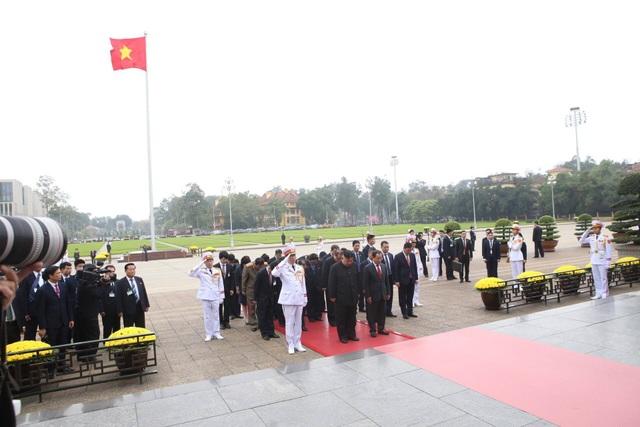 Chủ tịch Triều Tiên Kim Jong-un vào Lăng viếng Chủ tịch Hồ Chí Minh - 8
