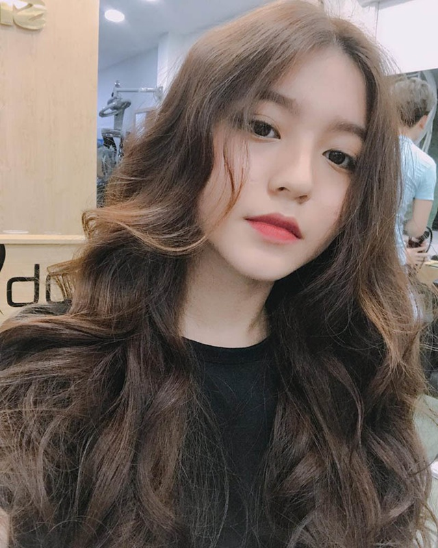 Cô gái Sài thành có góc nghiêng hoàn hảo hút đông đảo fans hâm mộ - 1