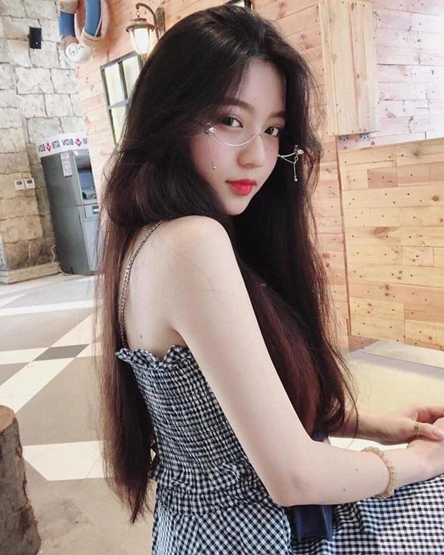 Cô gái Sài thành có góc nghiêng hoàn hảo hút đông đảo fans hâm mộ - 2